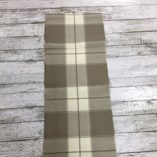 Primary Photo - BRAND:    CMD STYLE: SCARF WINTER COLOR: BEIGE OTHER INFO: FORECASTER - SKU: 127-4169-32226