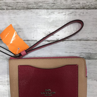 Primary Photo - BRAND: COACH STYLE: WRISTLET COLOR: TAN SIZE: M OTHER INFO: TRIMMED IN RED SKU: 127-2767-79488
