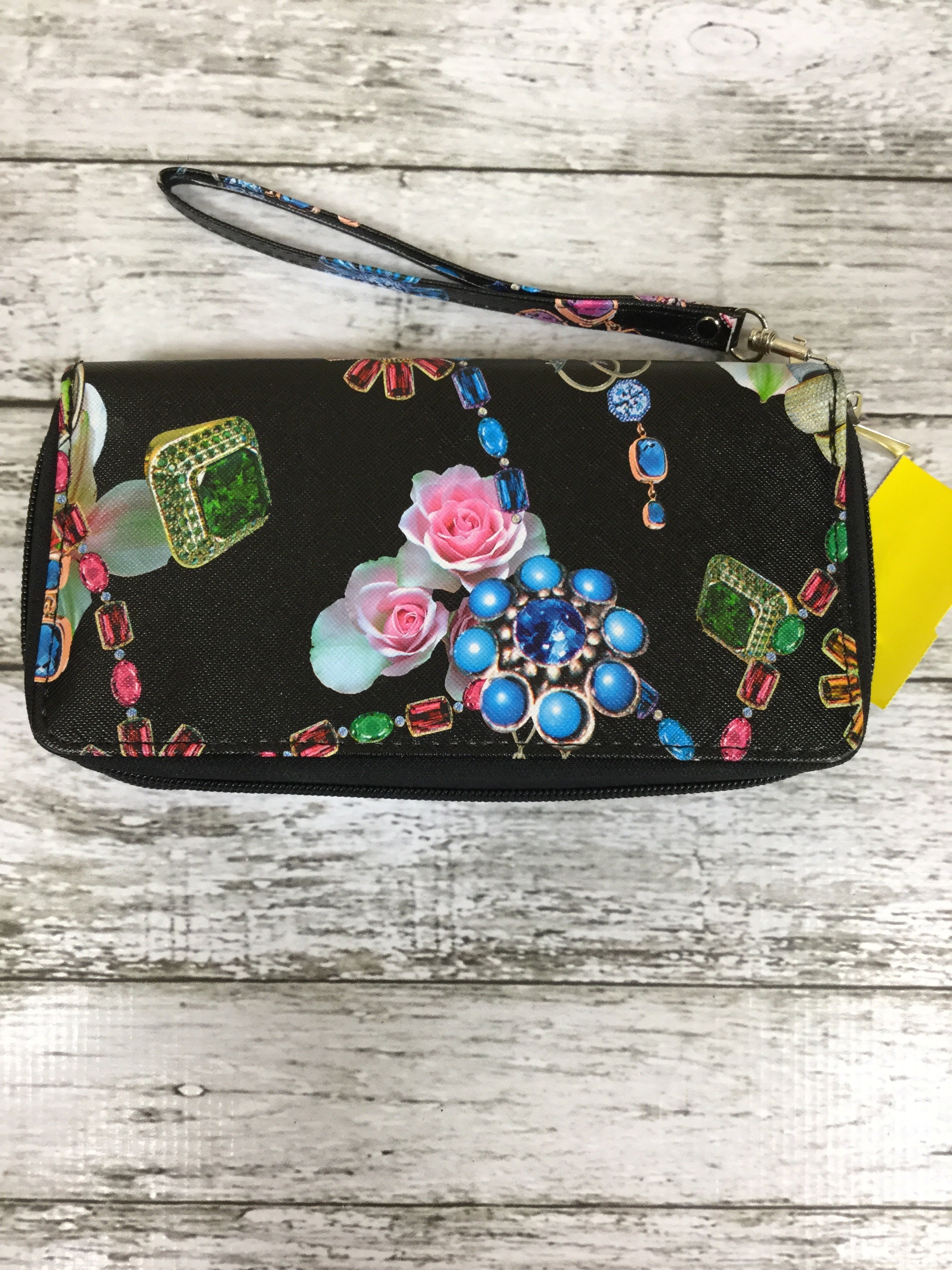 Primary Photo - BRAND:    CMD , STYLE: WRISTLET , COLOR: BLACK , SKU: 127-3371-44244