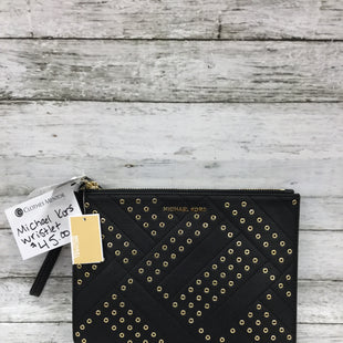 Primary Photo - BRAND: MICHAEL KORS STYLE: WRISTLET COLOR: BLACK OTHER INFO: NEW! SKU: 127-4072-2712THIS WRISTLET IS IN EXCELLENT CONDITION AND NEW WITH TAGS! THERE IS A SLIP POCKET AND SIX CARD SLOTS INSIDE.