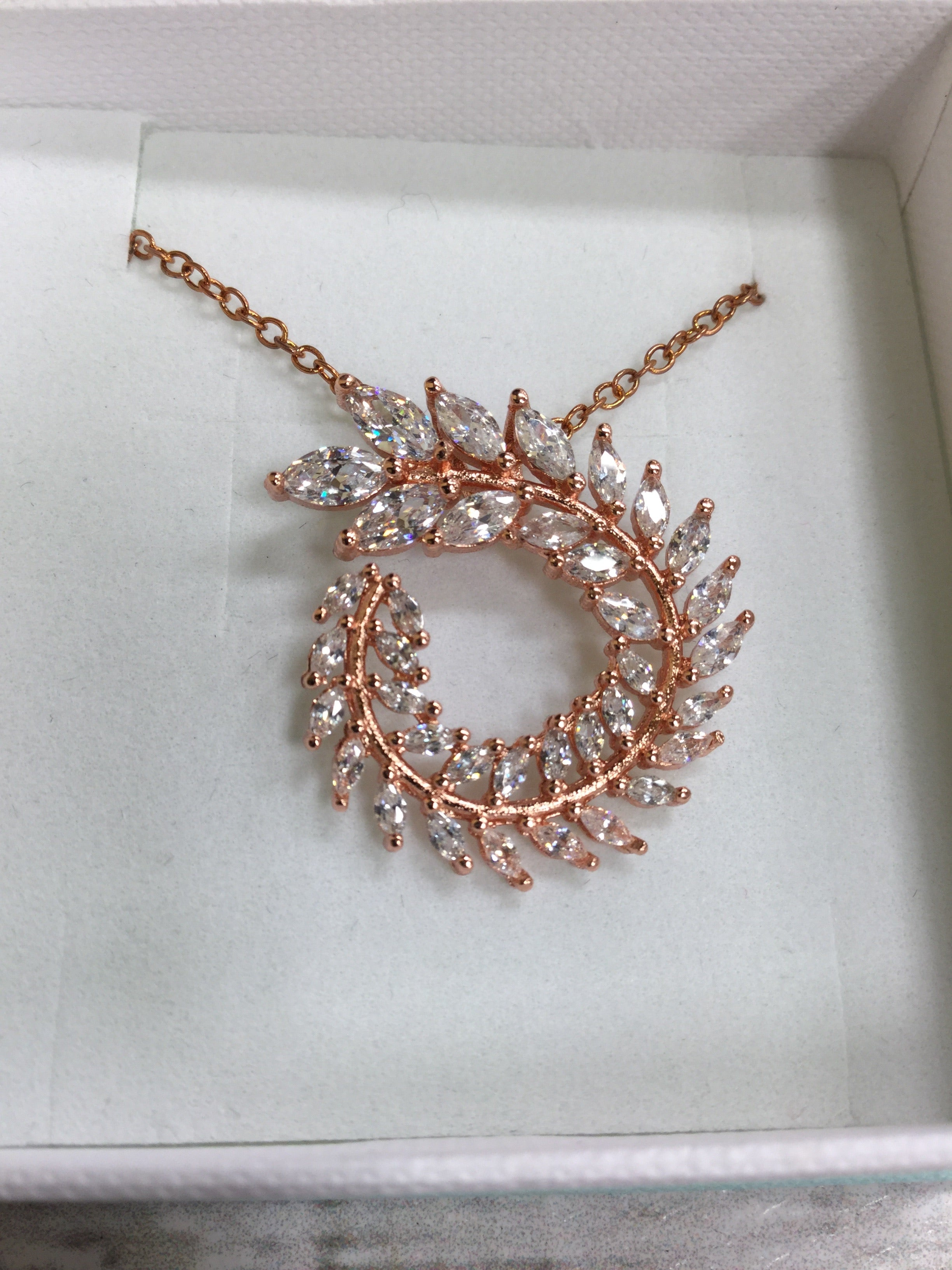 Photo #1 - BRAND:    CMD <BR>STYLE: NECKLACE <BR>COLOR: ROSE <BR>OTHER INFO: DIANE LOREN - <BR>SKU: 127-4876-6827