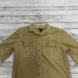 Primary Photo - BRAND: J CREW STYLE: TOP SHORT SLEEVE COLOR: KHAKI SIZE: 16 SKU: 127-3371-36578
