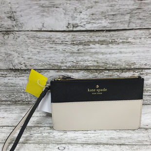 Primary Photo - BRAND: KATE SPADE STYLE: WRISTLET COLOR: BLACK SIZE: S OTHER INFO: & TAN SKU: 127-2767-91116THIS KATE SPADE IS IN VERY GOOD CONDITION WITH VERY LITTLE WEAR.