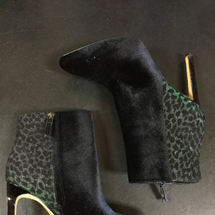 Primary Photo - BRAND: NINE WEST SHOES STYLE: SHOES HIGH HEEL COLOR: BLACK SIZE: 9.5 SKU: 127-4954-1574THESE BOOTS HAVE A GREEN/PINK LEOPARD PRINT DESIGN. THEY ARE IN GREAT CONDITION.