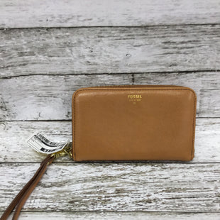 Primary Photo - BRAND: FOSSIL STYLE: WRISTLET COLOR: TAN SKU: 127-4876-7820THE OUTSIDE OF THIS WALLET IS IN GREAT CONDITION! THE INSIDE HAS SOME MINOR WEAR. THE WRISTLET STRAP IS REMOVABLE.