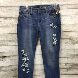 Primary Photo - BRAND: GAP STYLE: JEANS COLOR: DENIM SIZE: 0 SKU: 127-4559-9539GAP JEANS WITH FLORAL EMBROIDERY ON FRONT.