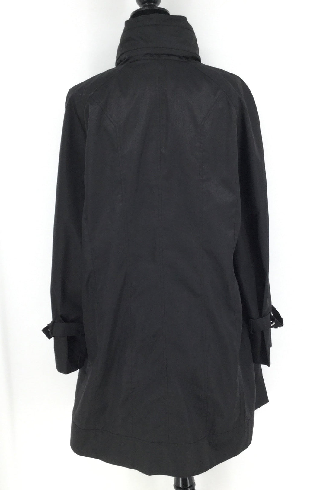 Long Black Calvin Klein Rain Jacket Size:XL - <P>LONG BLACK CALVIN KLEIN RAIN JACKET SIZE XL. SILVER DETAILING AND HOOD THAT CAN BE HIDDEN AWAY IN ZIPPERED COMPARTMENT. SILVER SNAPS HIDE THE ZIPPER, BUT THERE IS A SNAP MISSING AT THE TOP OF THE COAT. IN GOOD USED CONDITION AND COMES WITH A SMALL BAG SO COAT IS ABLE TO BE FOLDED UP AND STORED EASIER.</P>