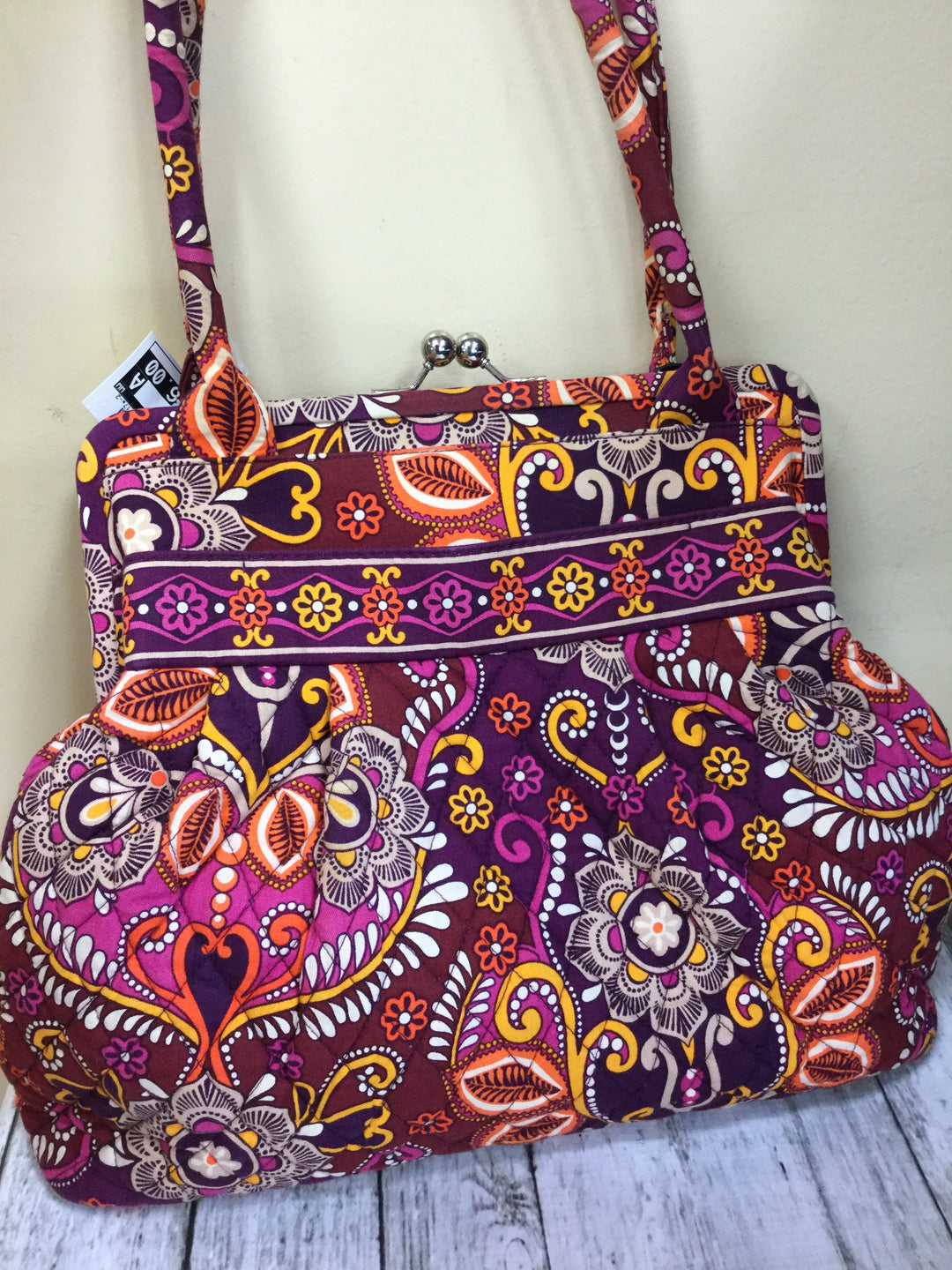 Primary Photo - BRAND: VERA BRADLEY <BR>STYLE: HANDBAG <BR>COLOR: MULTI <BR>SIZE: MEDIUM <BR>SKU: 127-2767-89324