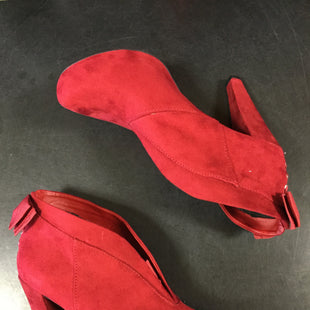 Primary Photo - BRAND: GUESS STYLE: BOOTS ANKLE COLOR: RED SIZE: 8.5 SKU: 127-4169-35191THESE HIGH HEEL BOOTS HAVE THE CUTEST BOW IN THE BACK. THEY ARE IN VERY GOOD CONDITION WITH JUST SOME MINOR WEAR.