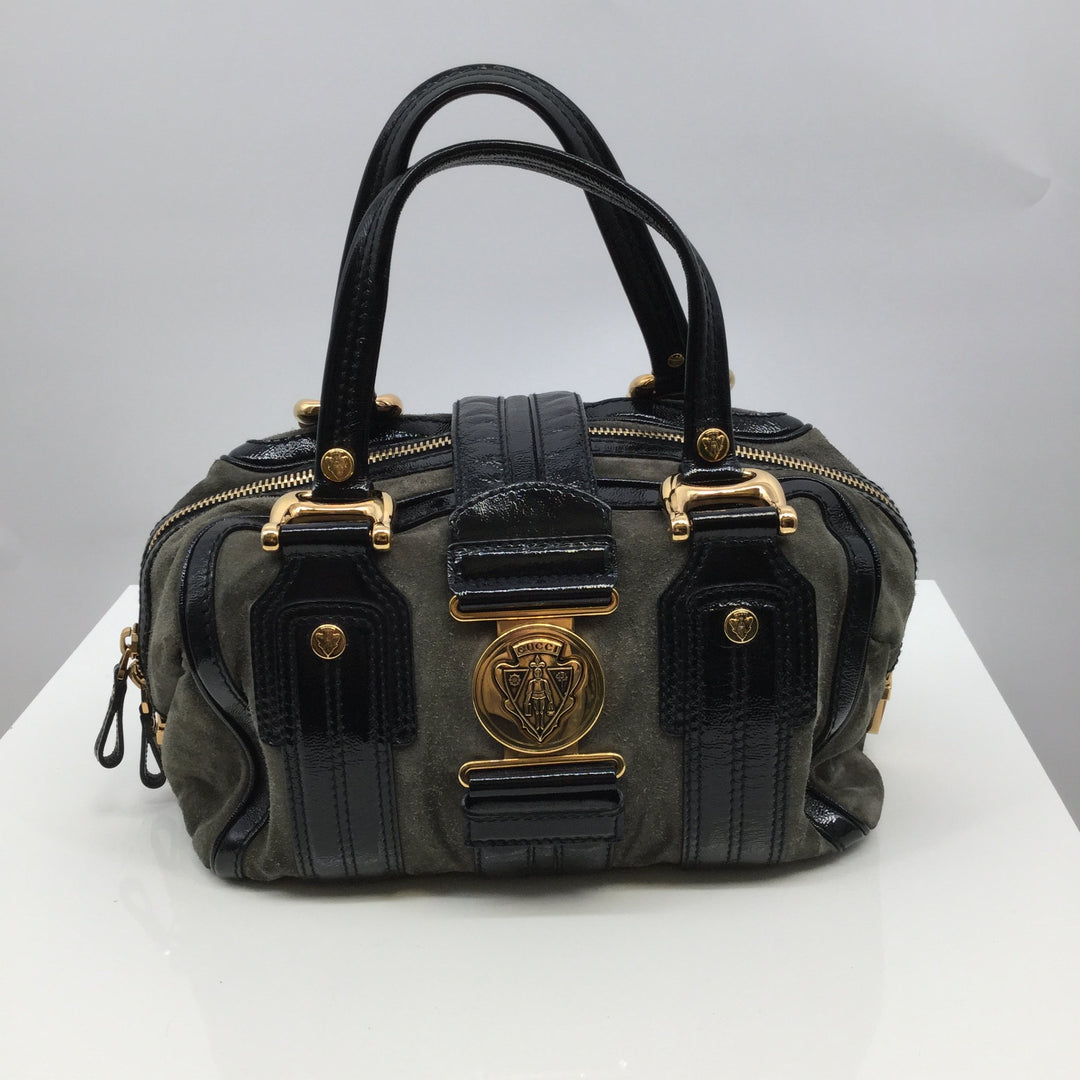 Gucci Aviatrix Designer Handbag - <P>WHO SAYS DREAMS DON'T COME TRUE? MAKE THIS GUCCI AVIATRIX DESIGNER HANDBAG YOURS TODAY AND TURN YOUR DREAMS INTO A REALITY FOR ONLY $340. MINOR PILLING ON THE BAG AS PICTURED BEING SOLD AS IS.</P>
