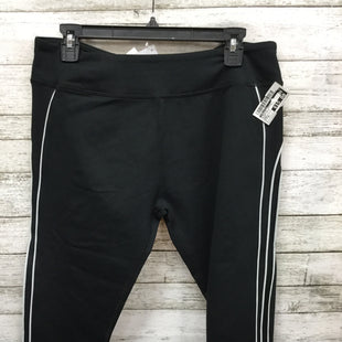 Primary Photo - BRAND: FABLETICS STYLE: ATHLETIC CAPRIS COLOR: BLACK WHITE SIZE: XL OTHER INFO: NEW! SKU: 127-4954-5800