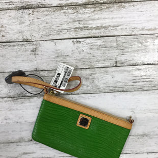 Primary Photo - BRAND: DOONEY AND BOURKE STYLE: WRISTLET COLOR: GREEN SKU: 127-4072-2134
