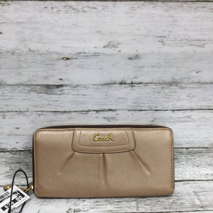 Primary Photo - BRAND: COACH STYLE: WALLET COLOR: PEACH SIZE: SMALL SKU: 127-4876-9022THIS WALLET IS IN GOOD CONDITION WITH VERY LITTLE WEAR. (SEE PHOTOS)
