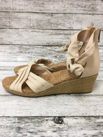 Photo #1 - brand: ugg , style: sandals high , color: cream , size: 8.5 , sku: 125-4628-13071