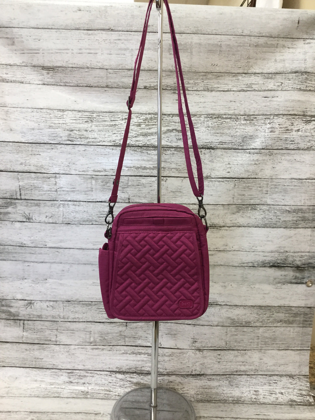 Primary Photo - BRAND:   CMC <BR>STYLE: CROSSBODY <BR>COLOR: RASPBERRY <BR>SIZE: SMALL <BR>OTHER INFO: LUG - HAS TWO STRAPS <BR>SKU: 125-4893-4508