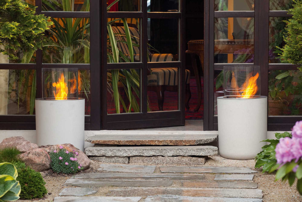 JAR a modern outdoor fireplace in concrete casing (4422687064106)