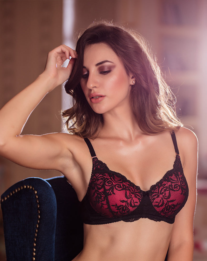 Lace embellished Non Wired Padded Bra - Coral Black