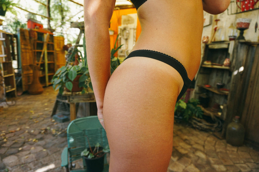 Bamboo Thong Black