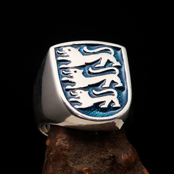 Perfectly crafted Men's Shield Ring Blue 3 Lions Coat of Arms - Sterling Silver - BikeRing4u