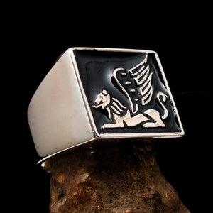 Perfectly crafted Men's Ring winged Lion of Venice Black - Sterling Silver