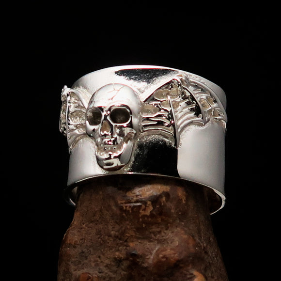 Excellent crafted winged Bat Skull Ring - Sterling Silver - BikeRing4u