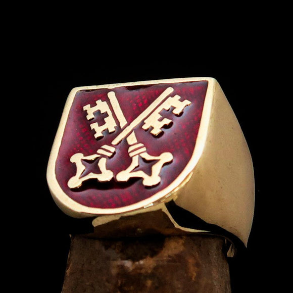 Perfectly crafted Men's Shield Ring Crossed Skeleton Keys Red - Solid Brass - BikeRing4u