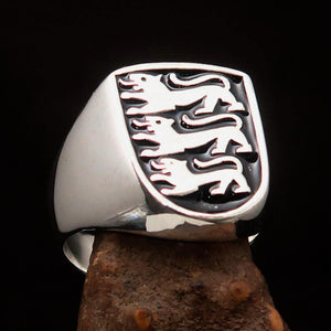 Perfectly crafted Men's Shield Ring Black 3 Lions Coat of Arms - Sterling Silver - BikeRing4u