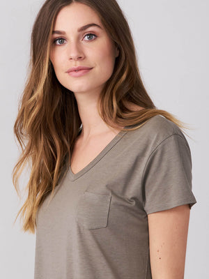 V Neck Tee W/Chest Pocket - Sonia's Runway