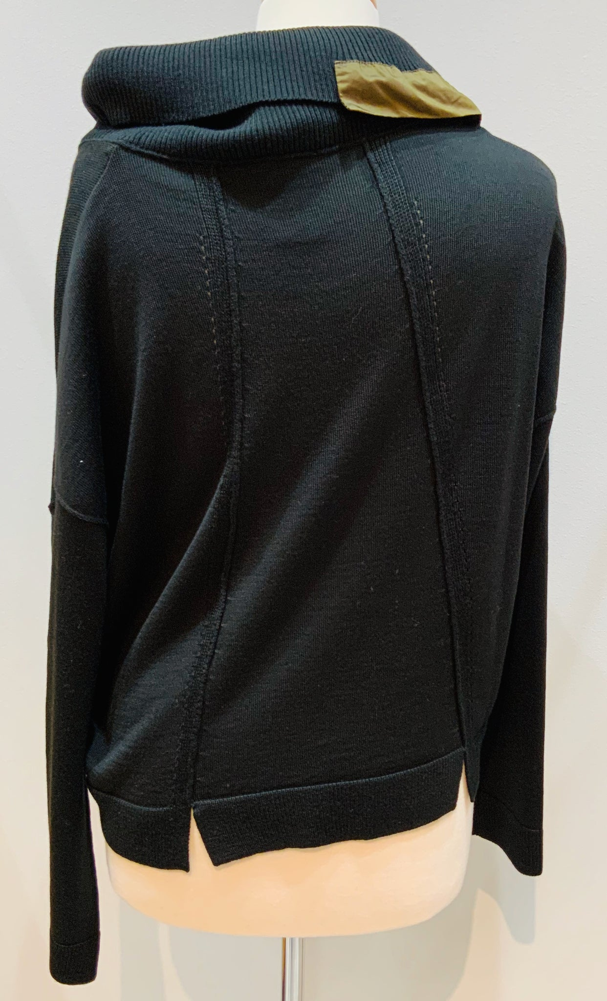 Blk Sweater W/Ruched Collar