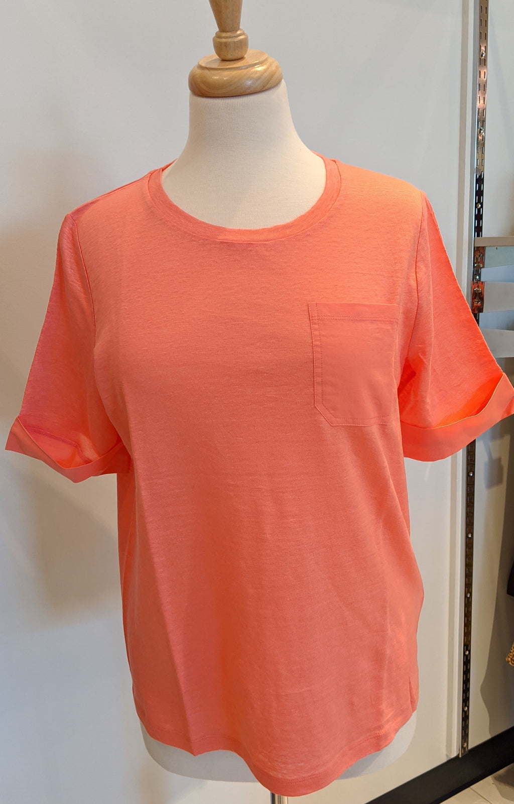 Linen Top W/Pocket - Sonia's Runway