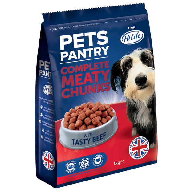 Picture of a 1kg bag of Pets Pantry from HiLife Complete Meaty Chunks with tasty beef dry dog food.