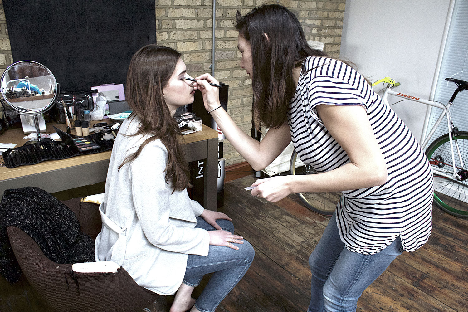 Make-Up-Behind-The-Scenes-Shoreditch-Photoshoot