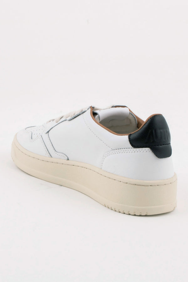AUTRY MEDALIST 01 LOW WHITE BLACK LEATHER SNEAKERS WOMENS