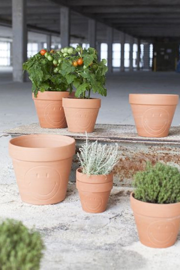 SERAX XS SMILEY TERRACOTTA POT