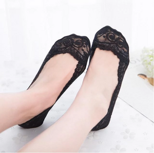 Lace Scalloped Socks