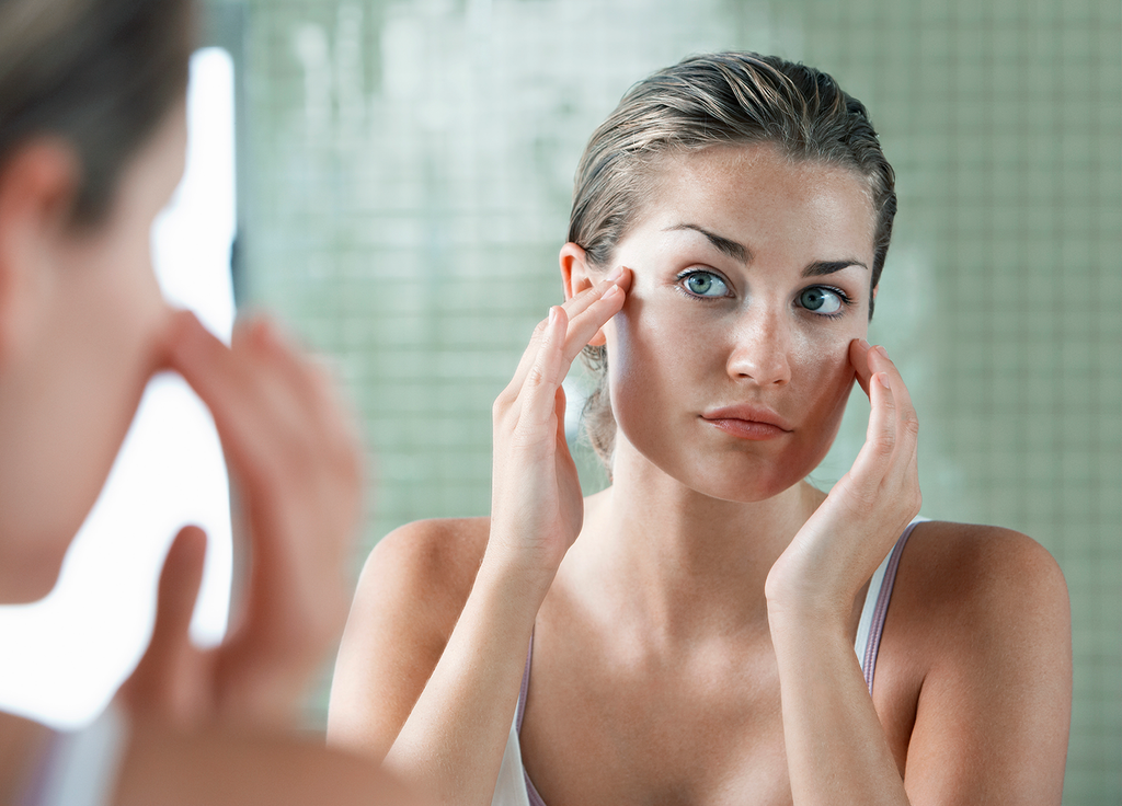 New Beauty: 12 Things People With Perfect Skin Do Every Day