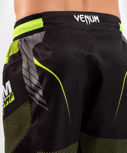 Charger l'image dans la galerie, FIGHTSHORT VENUM TRAINING CAMP 3.0