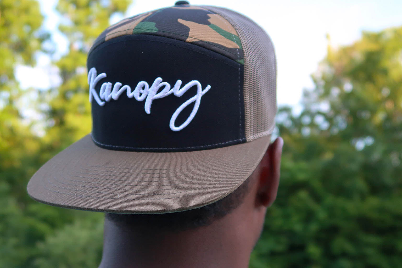 Kanopy Script 7 Panel Trucker