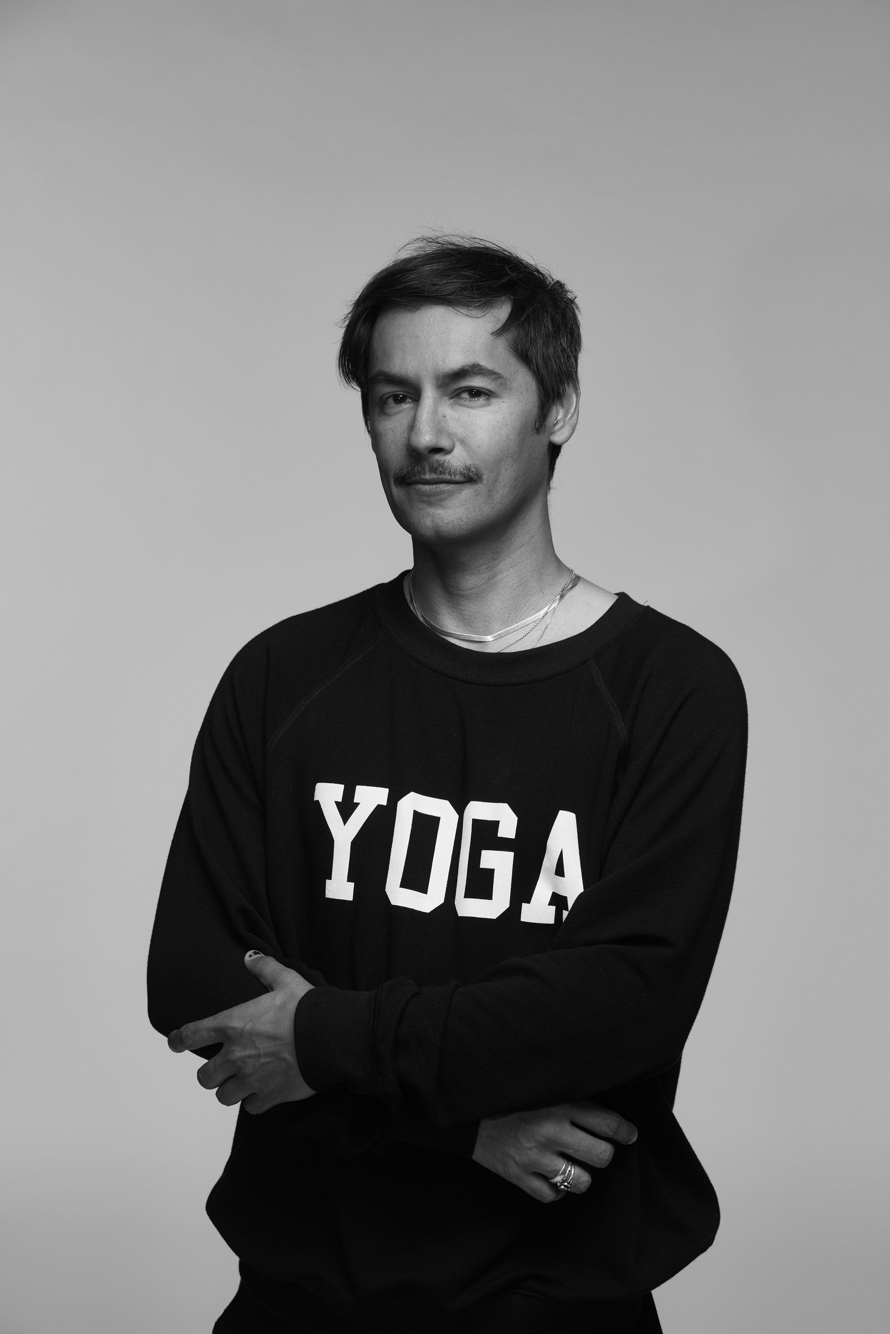 MEN'S YOGA SWEATSHIRT WHITE ON BLACK