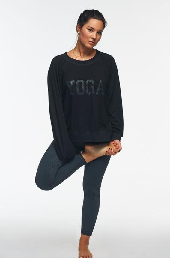 YOGA SWEATSHIRT BLACK ON BLACK
