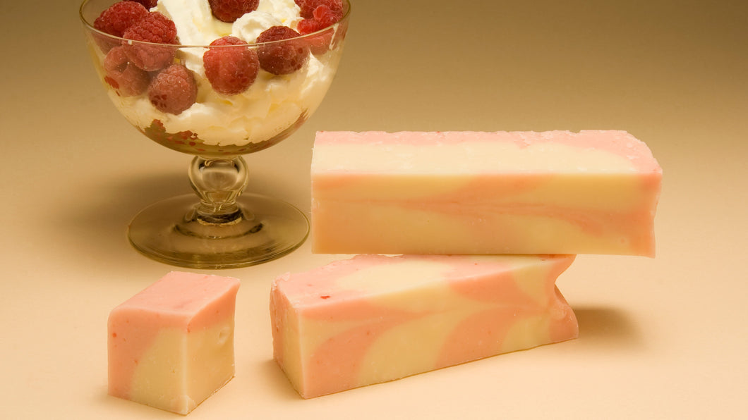 Raspberries & Cream 100g
