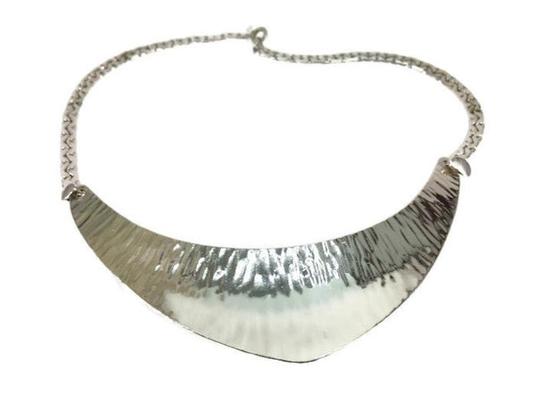 Napier Modernist Hammered Silver Tone Collar Necklace Boomerang Focal Point 4 Inches Wide 15 Inches Long