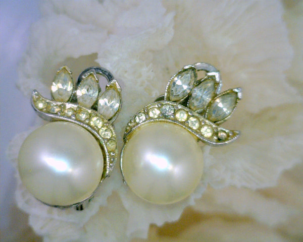 Marvella Faux Pearl and Rhinestones Clip-On Earrings 1950's Silver Tone Metal 12 mm Pearl 1/2 Inch Wide 1 Inch Long