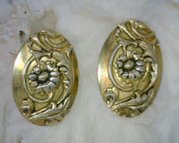 Whiting & Davis Co. Oval Clip-on Earrings Sunflower Motif Antiqued Finish Gold Metal 0.94 Inches Wide 1.26 Inches Long