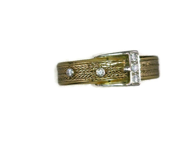 Vintage Diamond and Hand Woven Gold Belt Buckle Ring Band Two Tone Yellow White 18 Karat Gold 5 Diamonds 0.08 Carat 4.5 mm Wide 4.66 Grams Size 7.5