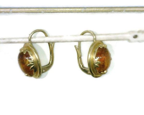 Honey Amber Cabochon Dangle Earrings 22 Karat Gold Bezel Setting Celebrity Owner Kathy Bates 3/4 Inch Long