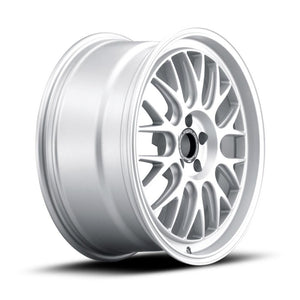 fifteen52 Holeshot RSR wheels