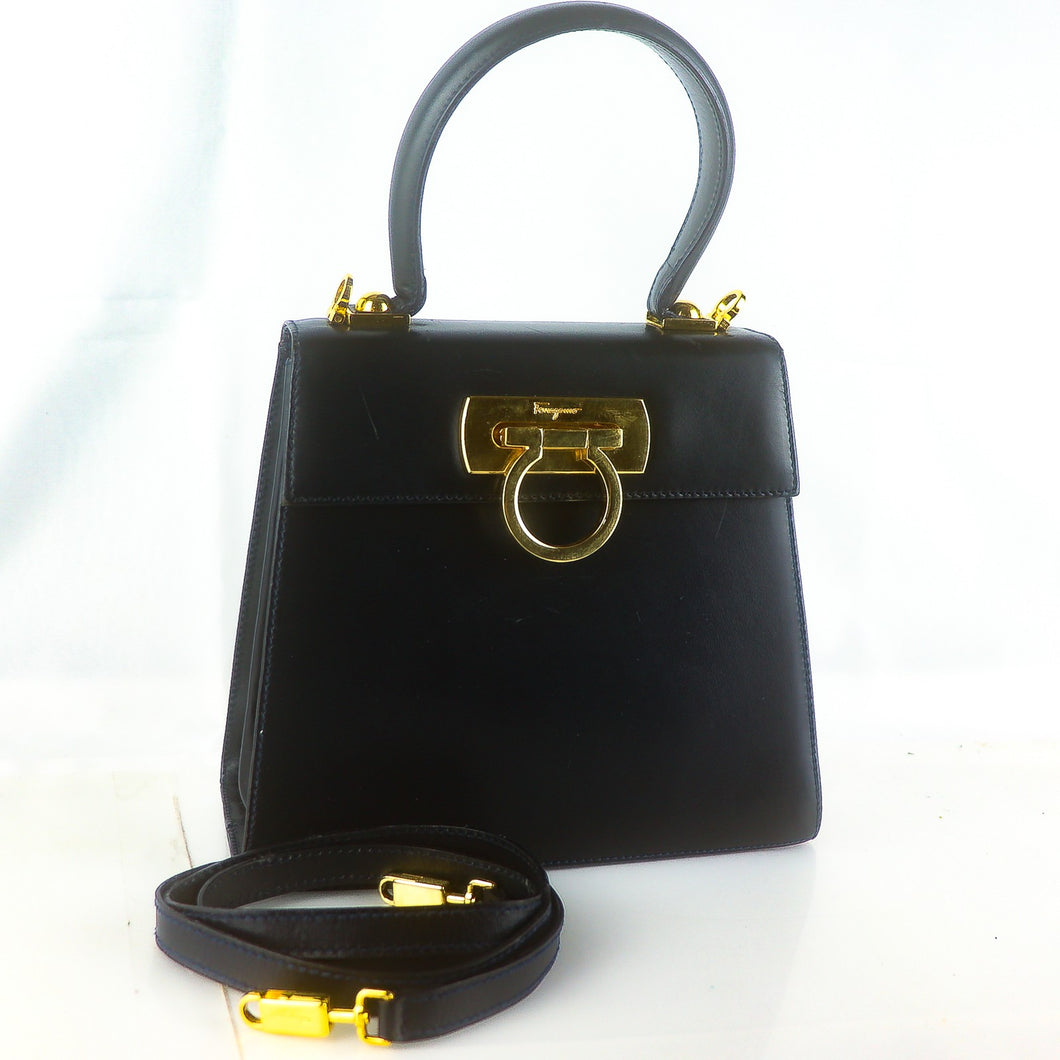SALVATORE FERRAGAMO Gancini Leather Hand Bag Black with Shoulder Strap BX-212193