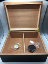Load image into Gallery viewer, 50 stick humidor - Ebony Wood top finish - Lid open