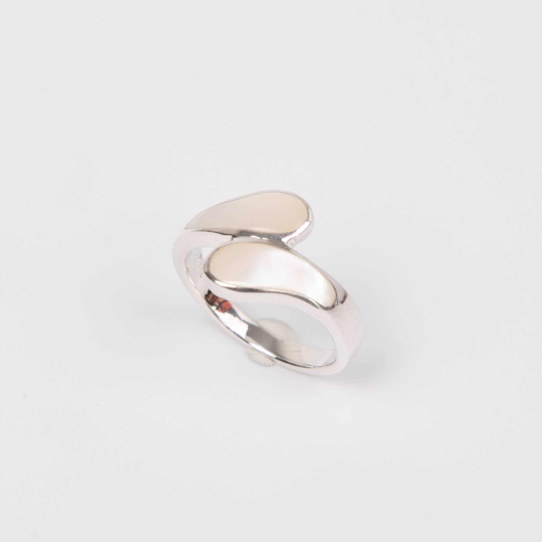 Sterling Silver Ring with Mother of Pearl